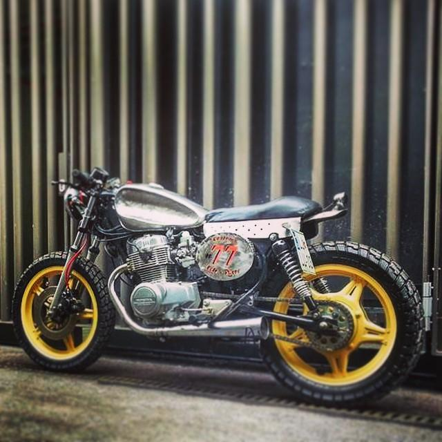 #7sevencustoms #rough #caferacer #honda #77c #77 #7seven #custom #motorcycle #4sale more infos http://7seven.si