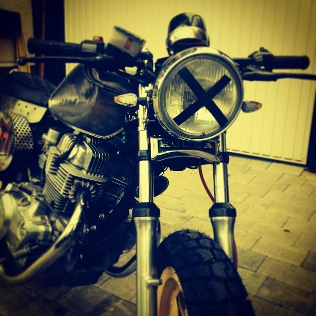 #7sevencustoms rough #caferacer without front fairing #honda #motorcycle #vintage #racer #77 #77c #7seven