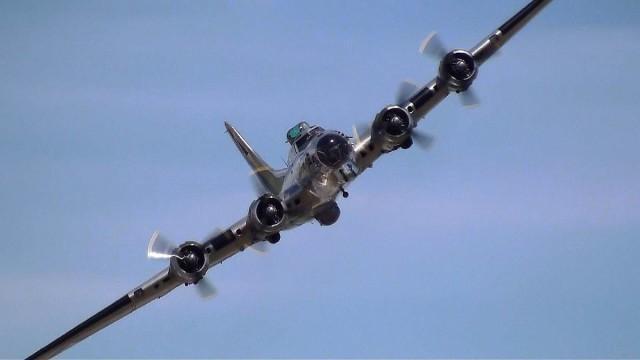 10504794 10152315439117828 1629316460915363928 o 640x360 Boeing B 17 Flying Fortress