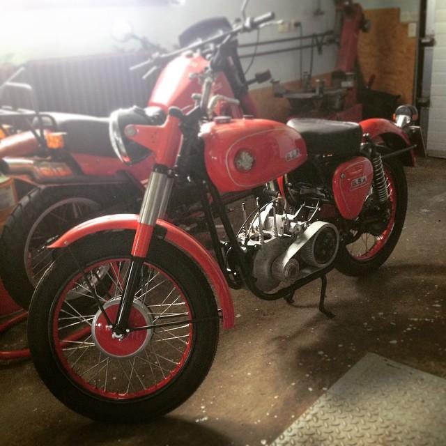 I was looking for a #bmw R100R for #77c next…