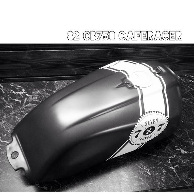 paintjob on fuel tank for #77c project #honda CB750 #caferacer…