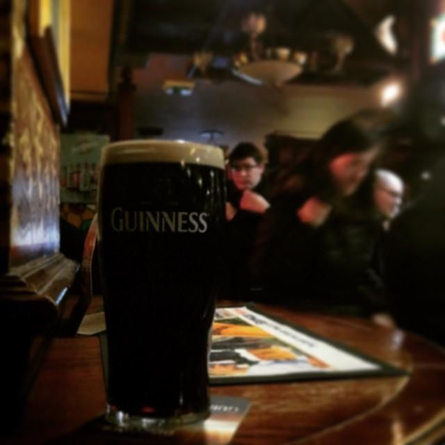 always a good start in friday night with #guinness #beer…