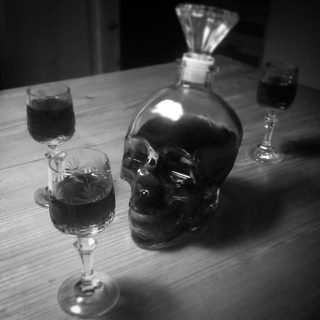 Welcome #drink #skull #partyforthree #borovnicke #blueberryjouice with @tetovarna & @gregorharih