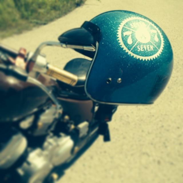 #77 #7seven #77c #7sevencustoms #custom #motorcycle #helmet #holyfreedom