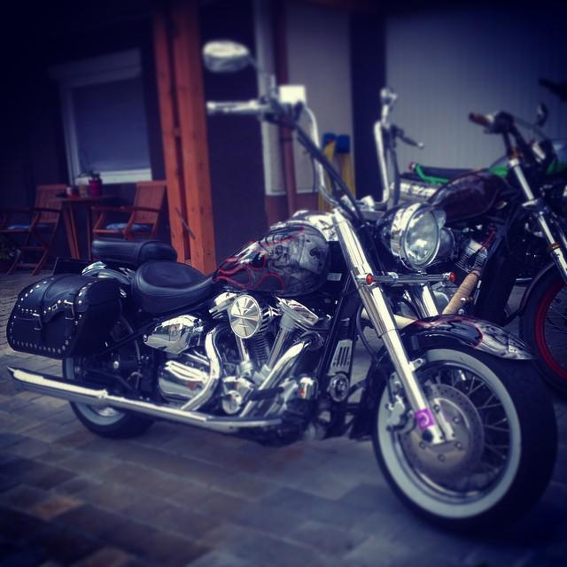 #yamaha #wildstar 1500 loaded with #custom stuff #thehelloftjebike #loudasfuck #motorcycle #chopper #bobber #77 #77c #7seven #7sevencustoms #airbrush